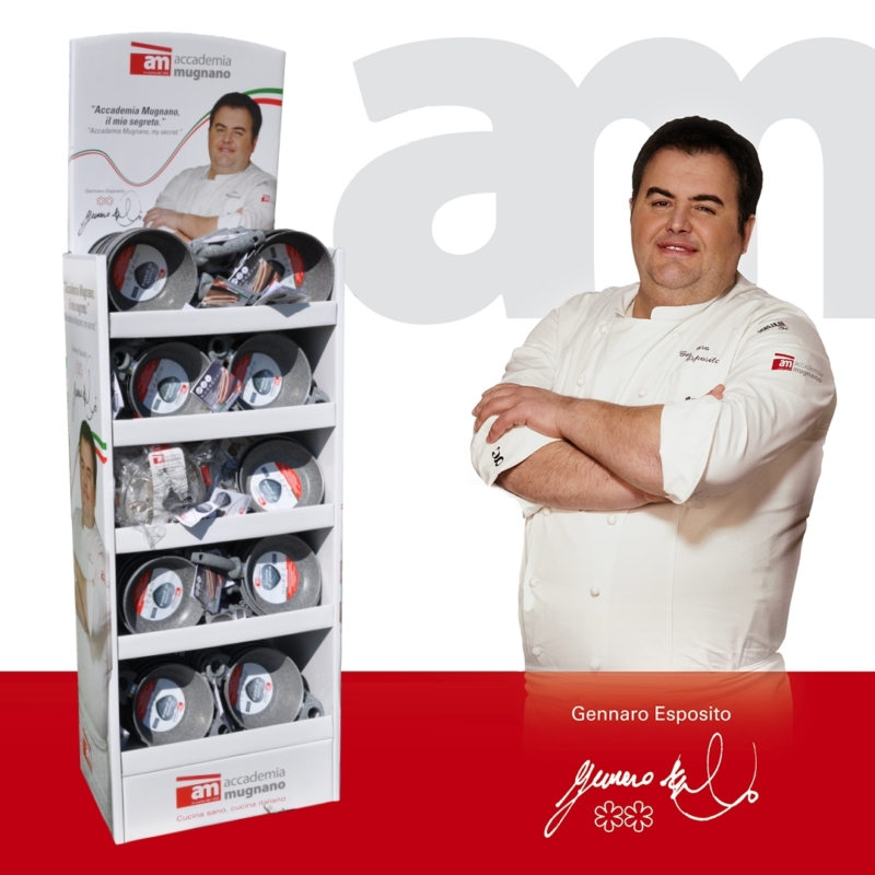 AM Chef with box 20